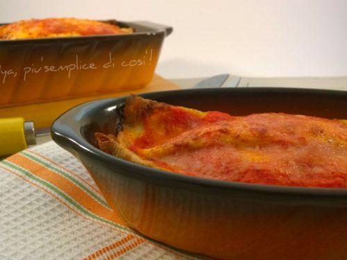 Crepes con la salsa, ricetta appetitosa