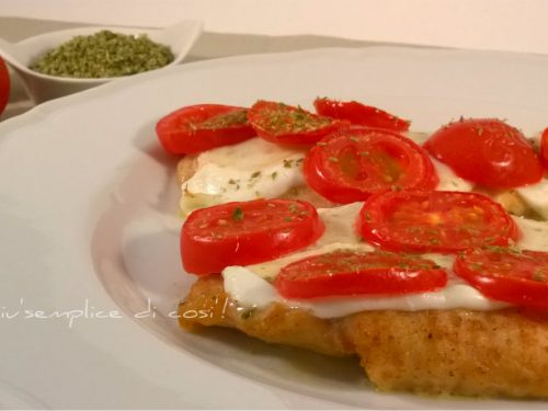 Pollo con mozzarella e pomodorini, ricetta semplice