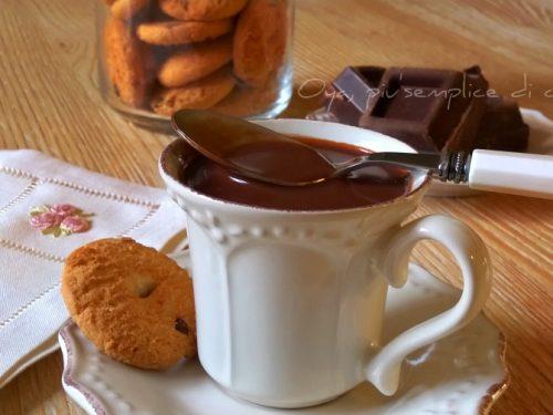 Cioccolata calda con cioccolato fondente, ricetta