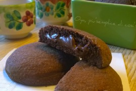 Biscotti al cacao ripieni di Nutella, ricetta golosa