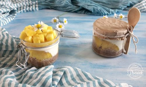 Cheesecake in vasetto all'ananas