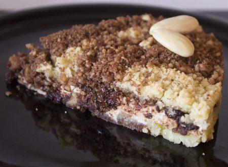 Torta sbrisolona bicolore e farcita