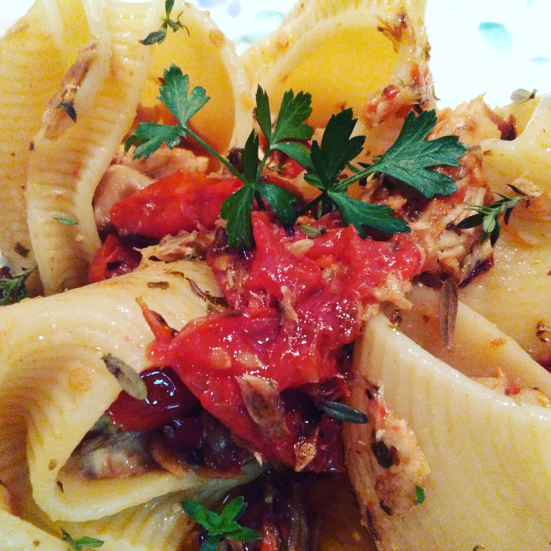 Lumaconi Pomodorini al forno e filetti di Sgombro