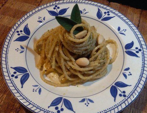 Spaghetti alla chitarra con Mandorle ed erbe aromatiche