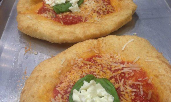 Pizza fritta e pizzelle montanare – video