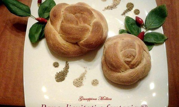 Rose di pane integrale con semi di anice e sesamo