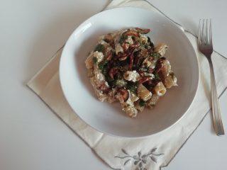 pasta con zucchine e ricotta salata