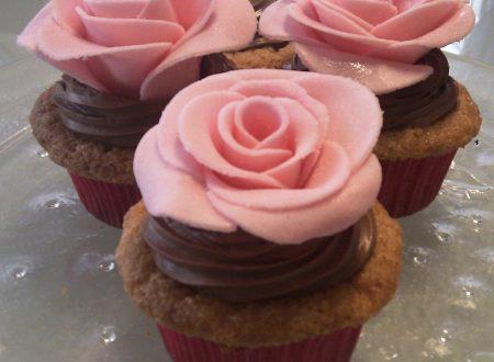 Cupcakes al cioccolato bianco con ganache al cioccolato