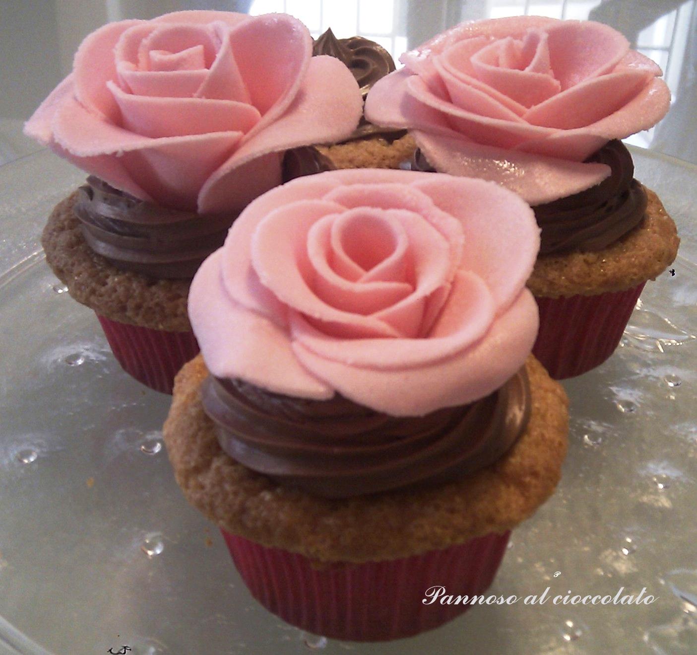 Cupcake al cioccolato bianco con ganache al cioccolato