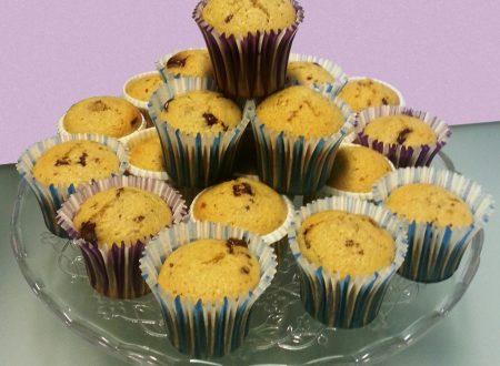 Muffin pere e gocce di cioccolato – Ricetta con e senza bimby