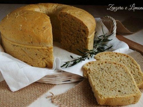 Ciambella di pane alle olive e rosmarino