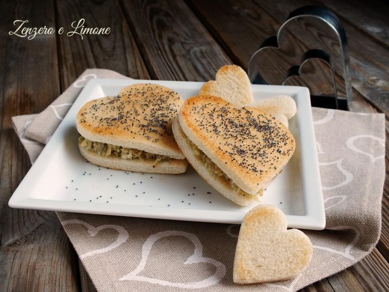 crostini con carciofi - San Valentino