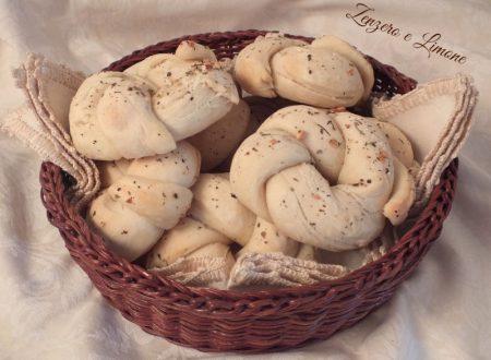Ghirlande di pane all'aglio