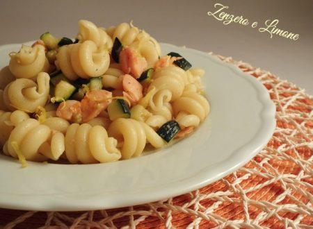 Zucchini and smoked salmon pasta