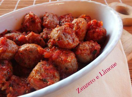 Salsiccia al pomodoro – ricetta sprint
