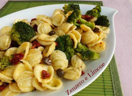 Orecchiette ai broccoli e pomodori secchi