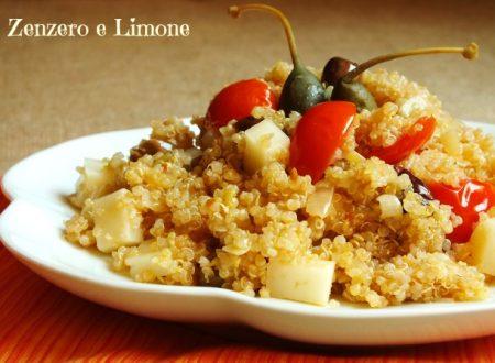 Insalata di quinoa con formaggio e pomodorini