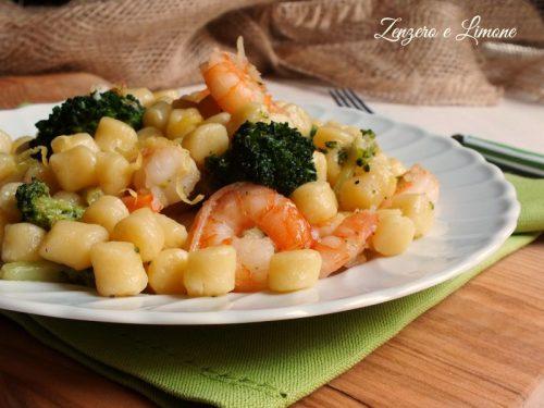 Chicche di patate con gamberi e broccoli