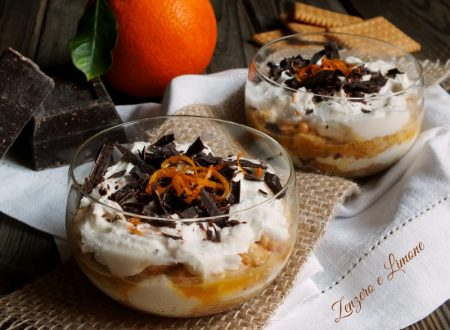 Ricotta cheese and chocolate cups