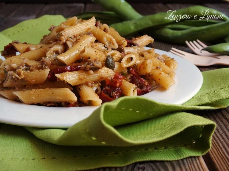 Pasta con Sugo di Fave e Pomodori Secchi