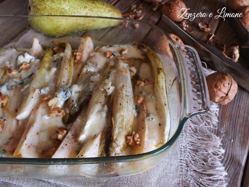 Indivia belga al forno con pere e gorgonzola