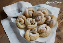 Roselline di sfoglia al pistacchio