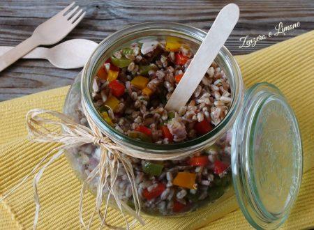 Farro e peperoni in insalata