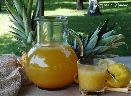 Limonata con ananas e cannella