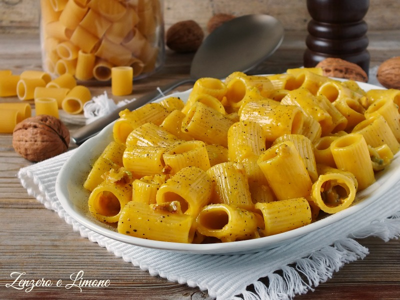 pasta gialla al gorgonzola