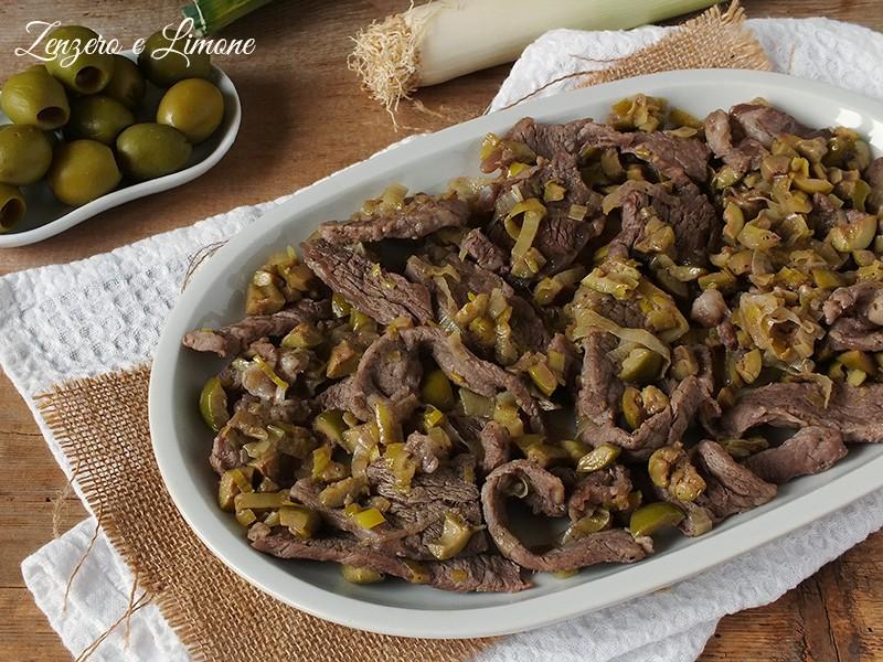 straccetti di manzo con olive e porri