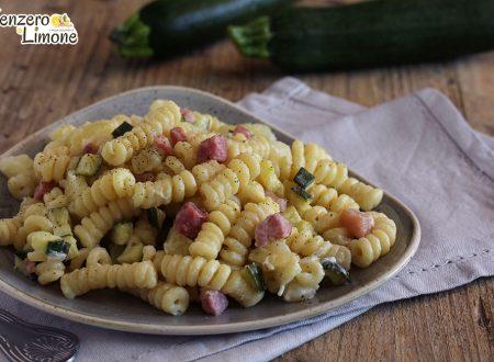 Pasta patate, zucchine e pancetta
