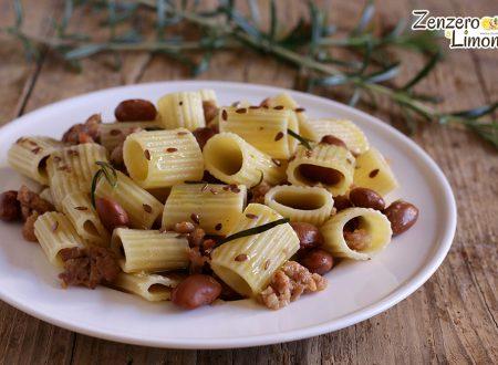 Mezze maniche con fagioli e salsiccia