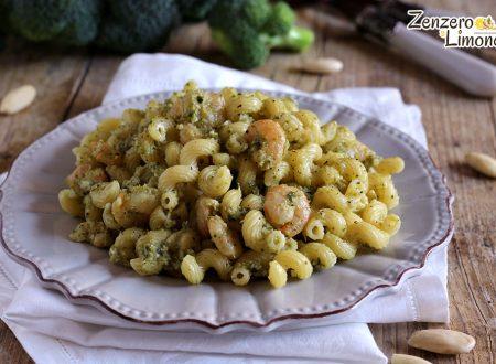 Pasta gamberi e pesto di broccolo