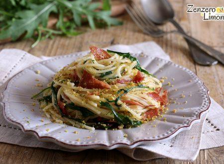 Spaghetti con rucola e coppa croccante