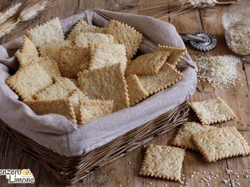 Crackers ai semi di sesamo, ricetta sfiziosa