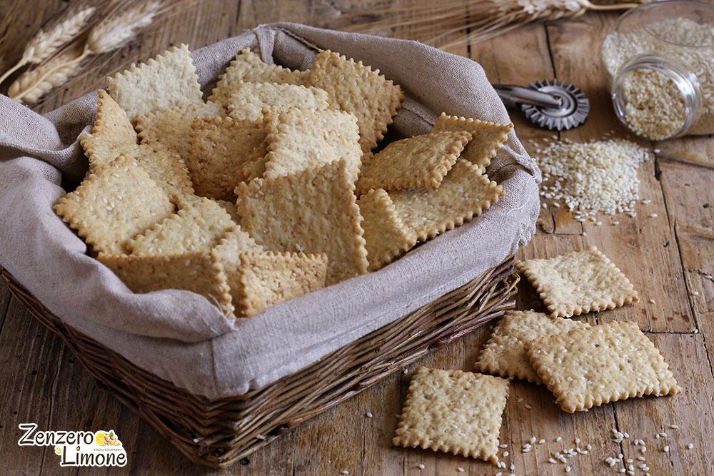 Crackers ai semi sesamo