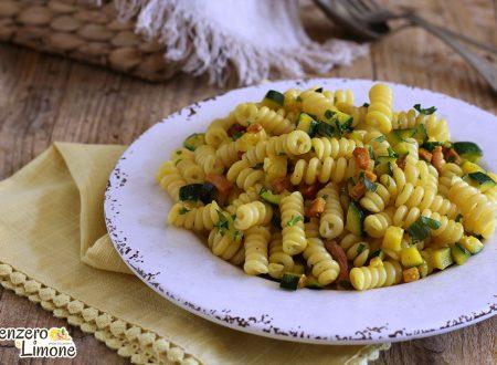 Pasta zucchine speck e zafferano