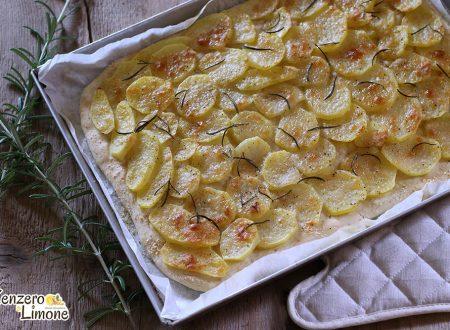 Schiacciata con patate e parmigiano