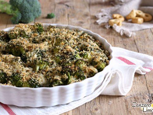 Broccoli al forno con trito saporito