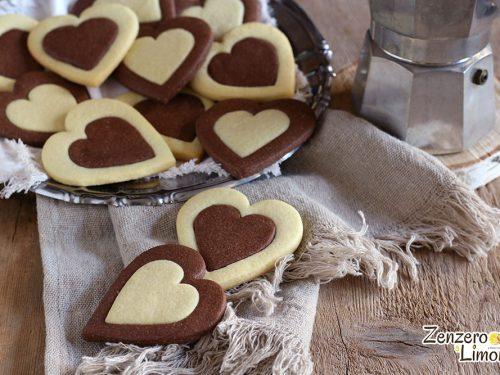 Biscotti bicolore alle mandorle