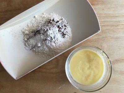 ingredienti secchi e burro fuso