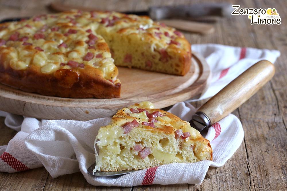 Torta soffice al prosciutto e formaggio - tagliata