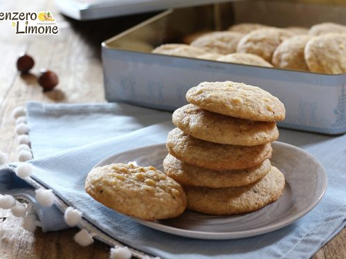 Cookies nocciole e cioccolato bianco