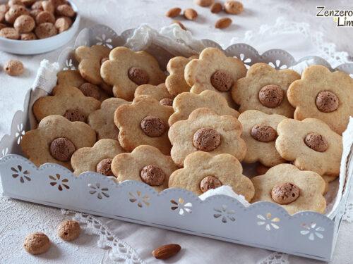 Biscotti agli amaretti e mandorle