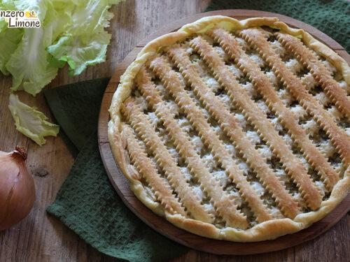 Torta salata con scarola e olive nere