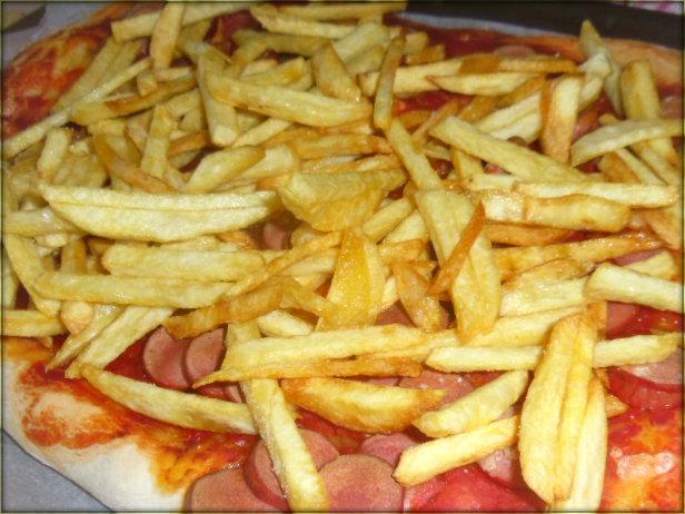 pizza wurstel e patatine