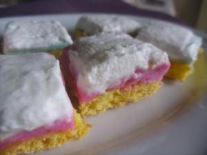 pasticcini con pasta di zucchero