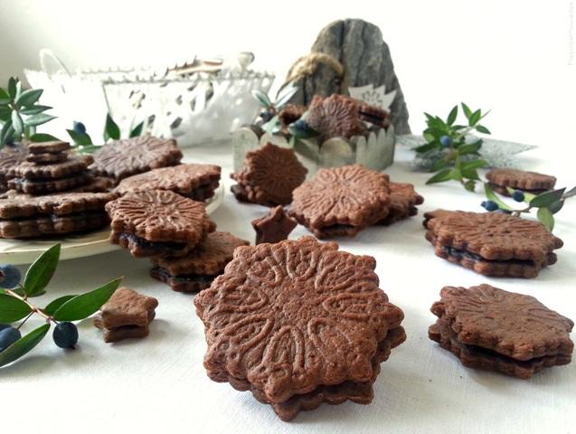 Frollini cacao panna acida e frutti di bosco