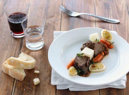 Brasato marinato al vino rosso e verdure