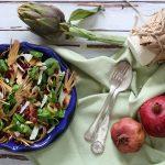 Insalata di carciofi e melagrana con ricotta salata